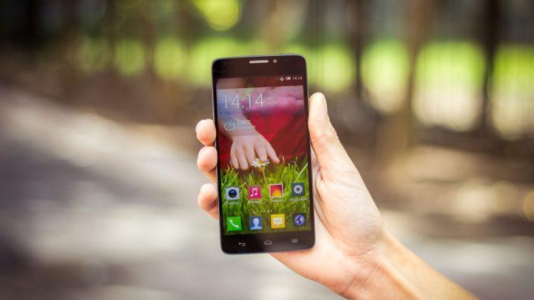 Как смартфон влияет на тело и мозг человека