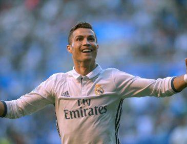Роналду станет первым футболистом-миллиардером