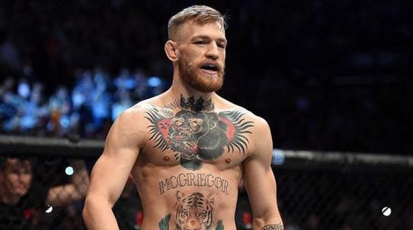 Макгрегор получил историческую победу в UFC