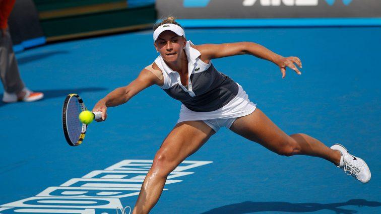 Теннисистка Леся Цуренко практикует «летающую йогу» (фото)