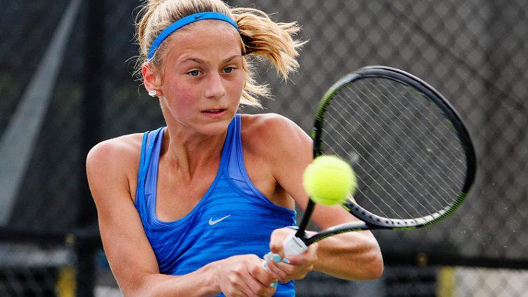 14-летняя украинка вышла в 3 раунд теннисного турнира в США