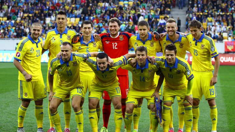 В рейтинге ФИФА сборная Украины опустилась на одну строчку
