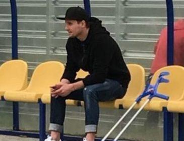 Денису Олейнику прооперировали колено