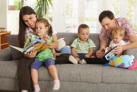 Почему первый ребенок в семье болеет чаще, но реже приобретает вредные привычки?