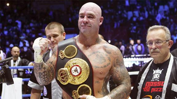 Допинг не воробей: известного боксера официально исключили из рейтинга WBA