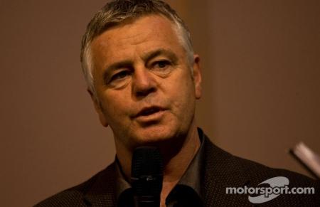 Все с ног на голову: судья Формулы-1 хочет отменить запреты во время гонки