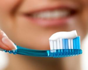 Отбеливатель в зубных пастах и жвачках может вызвать рак