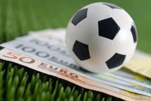Каждый десятый клуб в Европе спонсируют букмекеры