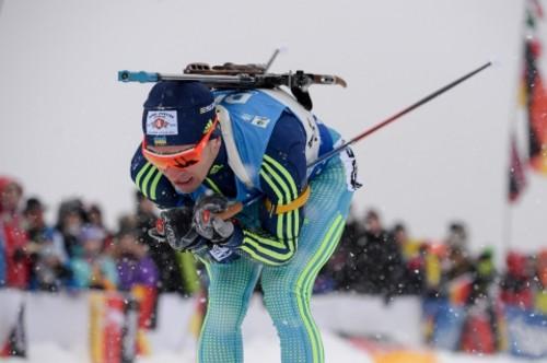 Семенов берет бронзовую медаль в индивидуальной гонке в Антхольце по биатлону