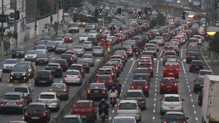 Необъяснимо, но факт: автомобильные пробки убивают мозг человека