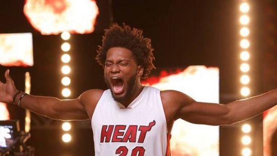 В США баскетболист требует миллиард у клуба