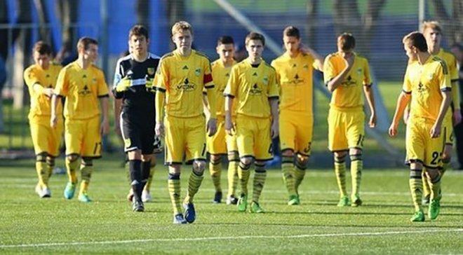 Скандал! 12 футболистов дисквалифицированы за договорные матчи