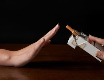 Даже не подумал бы: медики назвали самый простой способ отказаться от курения