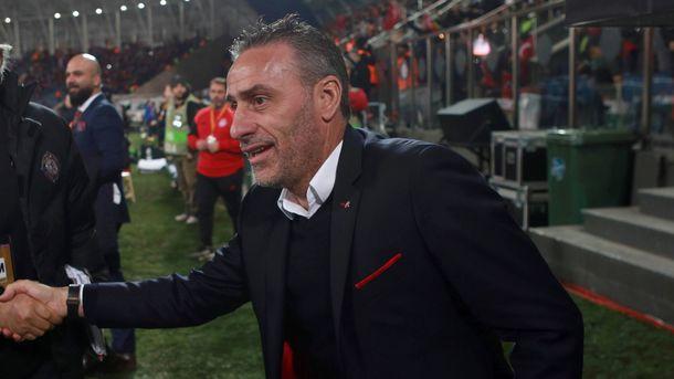 Экс-тренер сборной Португалии Паулу Бенту уволен из «Олимпиакоса»