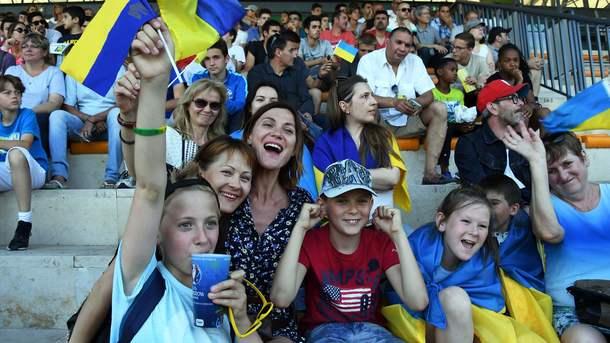 На матч Хорватия – Украина отправилось 27 автобусов с украинскими болельщиками
