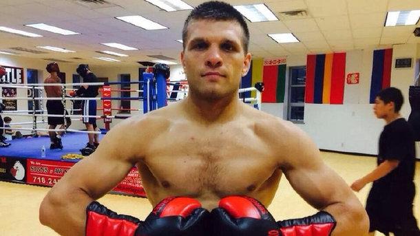 Украинский боксер Деревянченко проведет бой 14 марта в США