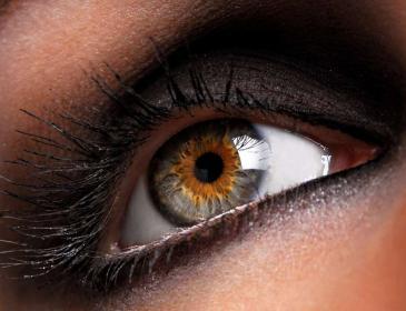 10 продуктов, которые помогут изменить цвет глаз за 2 месяца