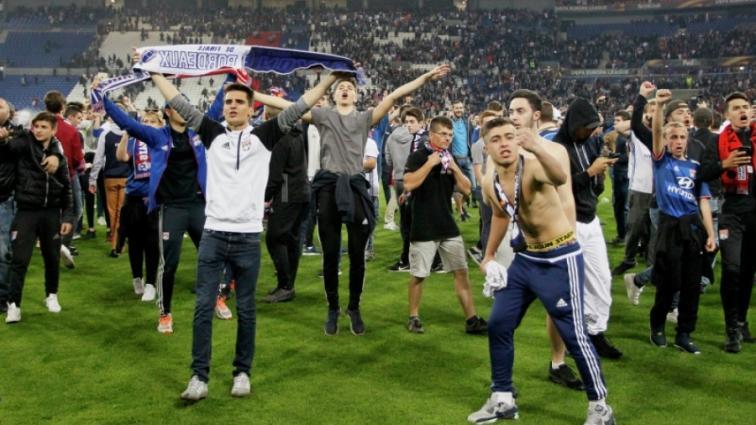 УЕФА накажет Лион и Бешикташ за действия собственных фанатов