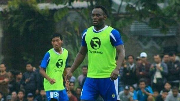 Экс-звезда «Челси»» сыграл за индонезийский клуб нелегалом