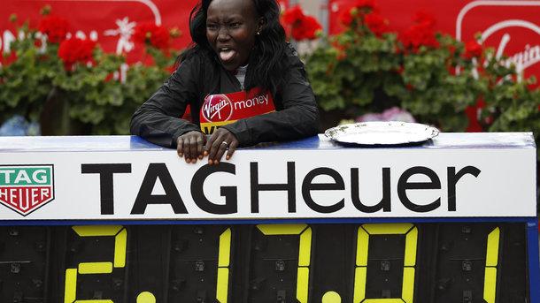 Кенийка Мэри Кейтани установила новый мировой рекорд в марафоне