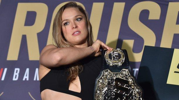 Звезда UFC Ронда Роузи выходит замуж