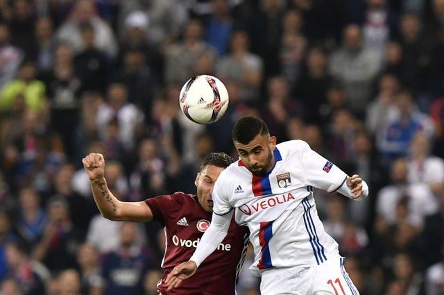 «Лион» одержал волевую победу в отложенном из-за беспорядков матче Лиги Европы