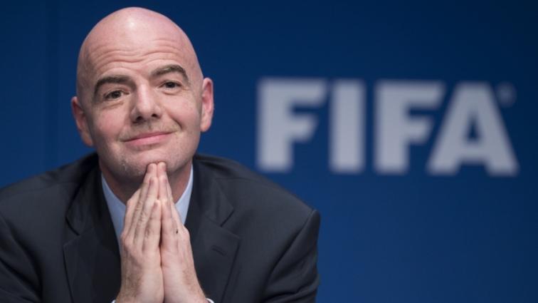 ФИФА подозревает своего президента во влиянии на выборы в Африке