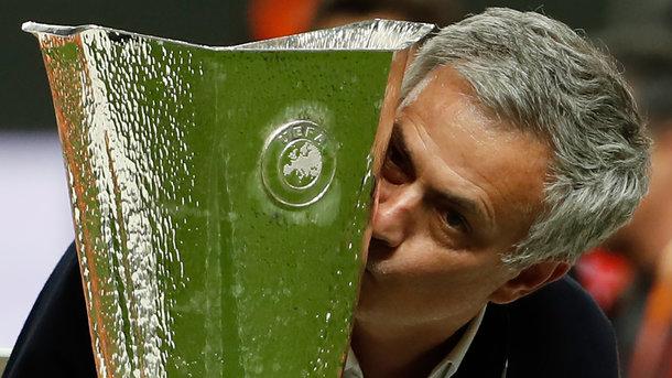 Моуринью – третий тренер, выигрывавший еврокубки с тремя разными клубами