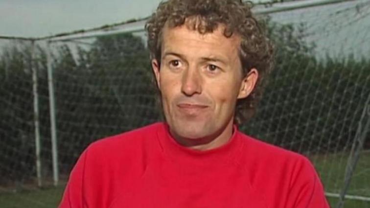 Английского тренера обвинили в многочисленных случаях педофилии