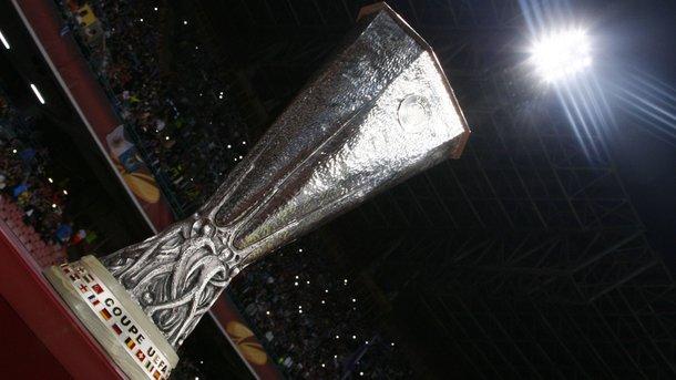 Из-за теракта в Манчестере УЕФА призывает болельщиков прийти на финал Лиги Европы ранее