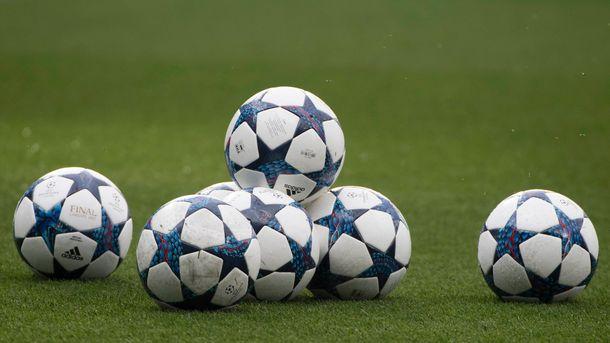 Клуб Первой лиги отстранил шестерых футболистов по подозрению в сдаче игры