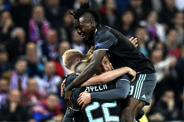 «Аякс» вышел в финал Лиги Европы, едва не растеряв преимущество в три мяча