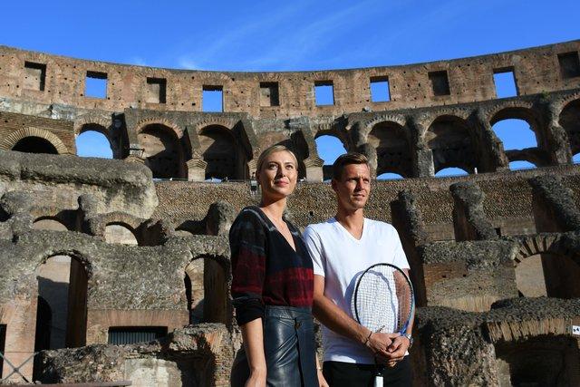Мария Шарапова и Томаш Бердых сыграли в теннис в Колизее