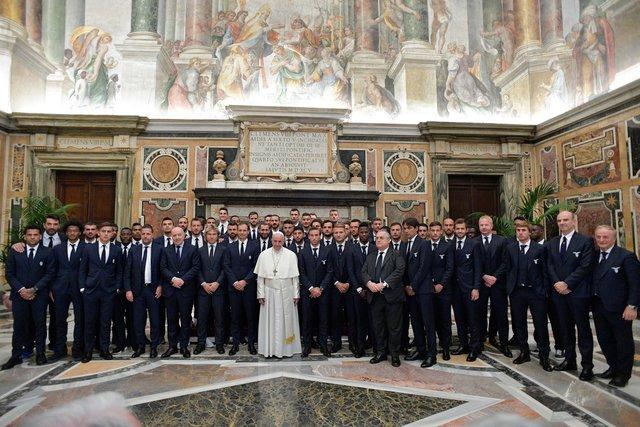 Футболисты «Ювентуса» и «Лацио» встретились с Папой Римским
