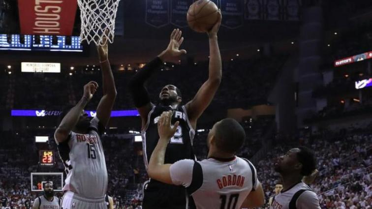 НБА: Кливленд прошел Торонто, Хьюстон сравнял счет в серии с Сан-Антонио