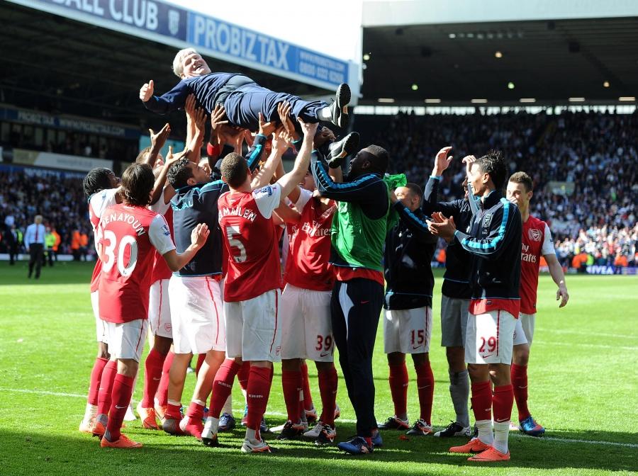Арсенал «одержал победу над» Челси «в финальном матче Кубка Англии и стал обладателем трофея.