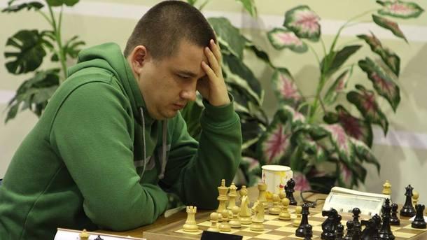 Чемпионат Европы по шахматам: Кузубов в лидерах, Пономарев в вышиванке
