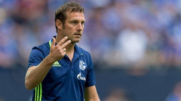 Руководство «Шальке» после критики от Коноплянки решило уволить тренера