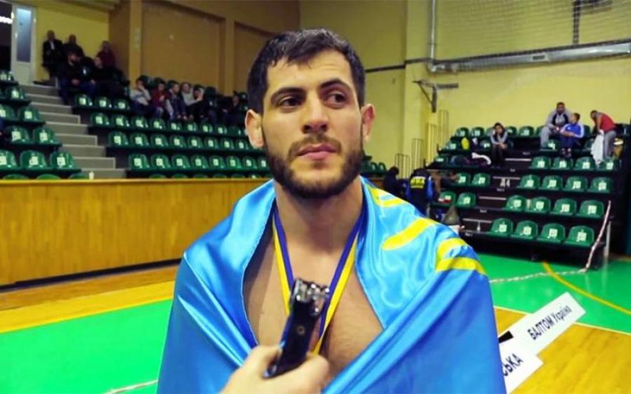 Чемпион мира по MMA убежал от чеченского спецназа