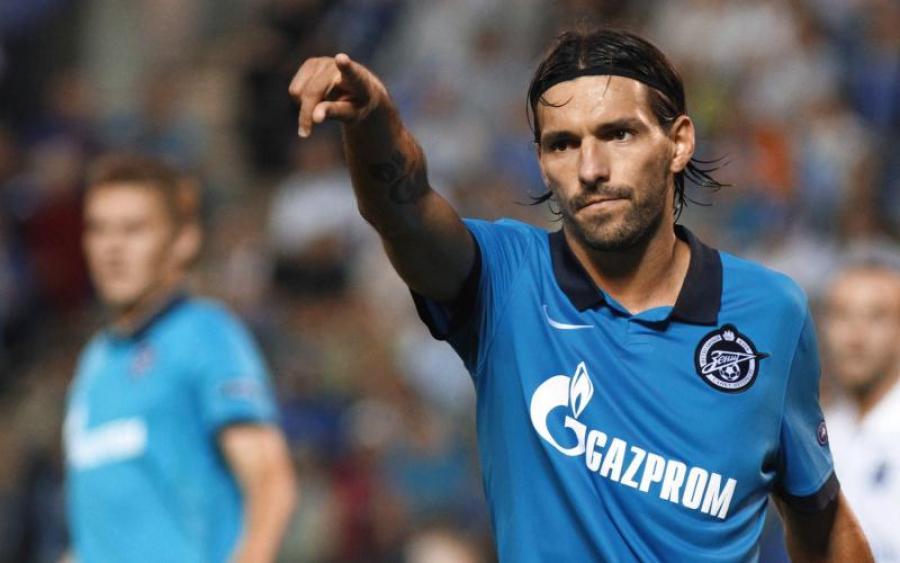 Капитан сборной Украины получил в Чехии звездных партнеров