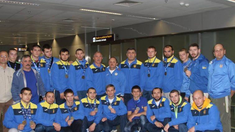 Порошенко поздравил дефлимпийцев с завоеванием на Играх второго места