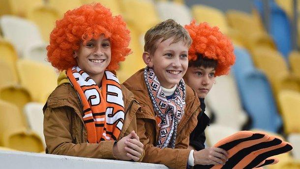 «Шахтер» подарит шарфы клуба всем детям, которые купили абонемент