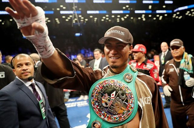 Чемпион WBC Майки Гарсия победил Эдриэна Бронера