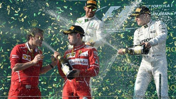 Гонщики Формулы-1 будут обливаться шампанским по три тысячи долларов за бутылку