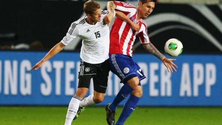 Парагвайского футболиста обвинили в развращении несовершеннолетней