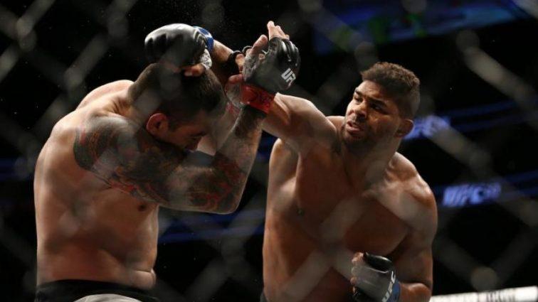 UFC 213: Оверим победил Вердума раздельным решением судей