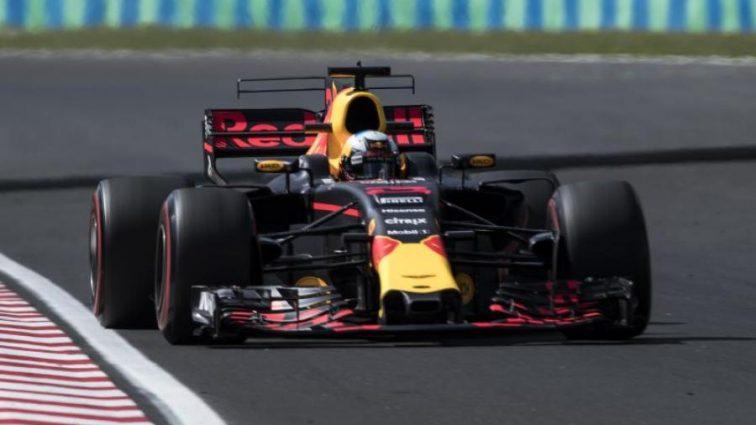 Формула-1: Риккардо показал лучшее время на второй практике Гран-при Венгрии