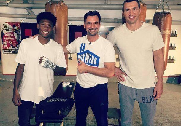 Владимир Кличко дал боксерский мастер-класс игроку «Баварии»