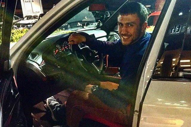 Ломаченко шокировал фанатов безумной ездой по трассе