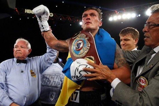 Украинский чемпион Усик убежден, что Мейвезер побьет Макгрегора